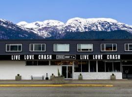 Crash Hotel Squamish, hotel in Squamish
