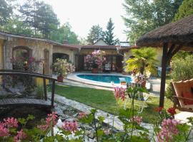 Mediterrán Apartmanház Szántód, hotel in Szántód