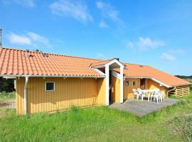Three-Bedroom Holiday home in Oksbøl 38, vacation rental in Vejers Strand