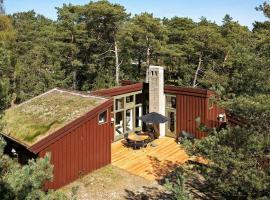 Three-Bedroom Holiday home in Nexø 38 – willa w mieście Vester Sømarken