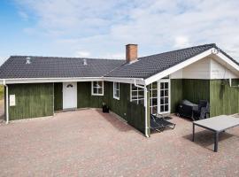 Four-Bedroom Holiday home in Rømø 8, villa in Bolilmark