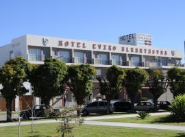 Hotel Euzko Alkartasuna, hotel en Macachín
