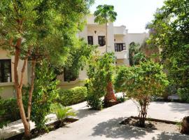El Nakhil Hotel, отель в Луксоре