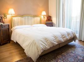 Hotel Al Castello, hotel cerca de Piazza delle Erbe, Verona