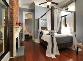Luxury Historic Shotgun Home in Lower Garden District, villa in New Orleans