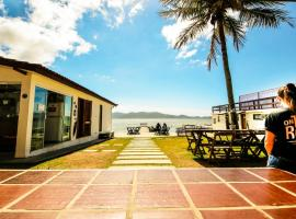 On The Road Hostel Lagoa, budget hotel in Florianópolis