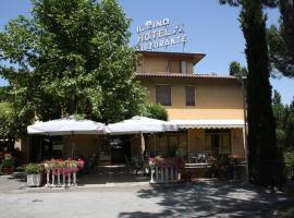 Hotel Ristorante Il Pino, hotell i Chiusi
