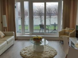 Riverside apartment, hotel in Dundee