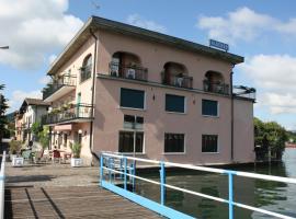 Albergo Ristorante Punta Dell'Est, hotel in Clusane sul Lago