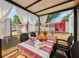 Camping Adria Mobile Home Park Umag, self catering accommodation in Umag