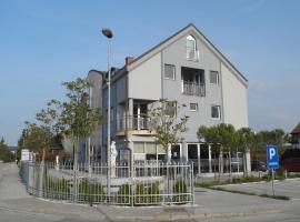 Apartments and Rooms Oliviers, hotel blizu znamenitosti Terme 3000 Moravske Toplice, Moravske Toplice