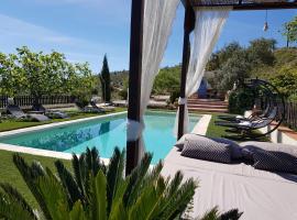Casita Las Melosillas, hotel cerca de Parque Natural de los Montes de Málaga, Casabermeja