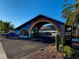 Hotel McCoy - Art, Coffee, Beer, Wine – hotel w mieście Tucson