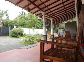 Gin River Resort, отель в Галле