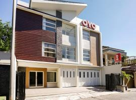 OYO 781 Erga Family Residence Syariah, hotel in Surabaya