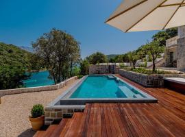 Beachfront Villa Feodora Grande with Pool, luxury hotel in Korčula