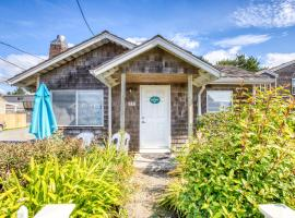 Beaches Inn | Buccaneer Bay Bungalow, vacation rental in Cannon Beach