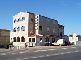Apartments Mario, room in Makarska
