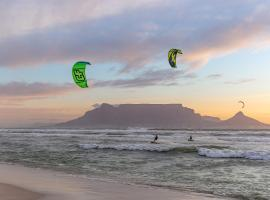 Stay In Atlantic, apartment in Bloubergstrand
