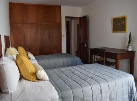 Casa en barrio Tres Cerritos, habitación en casa particular en Salta