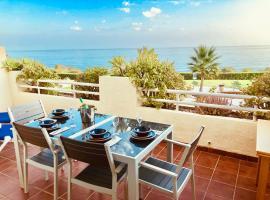 lovely sea views apartment on La Costa del Sol, hotel dicht bij: El Chaparral Golf Club, Mijas Costa