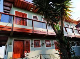 Pousada Recanto dos Marcelinos, guest house in Campos do Jordão
