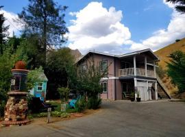 Sacred Mtn River Suites, vacation rental in Kernville