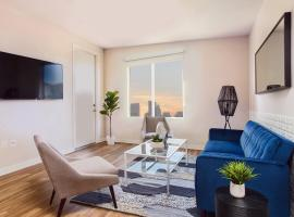 SD Penthouse Sunset View, vacation rental in San Diego