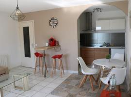 Les PHAETONS, hotel in Six-Fours-les-Plages