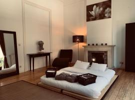 Chic Cocoon Guest House, B&B in Brussel