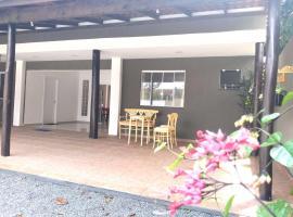 Pousada Pontal do Sul, guest house in Pontal do Paraná