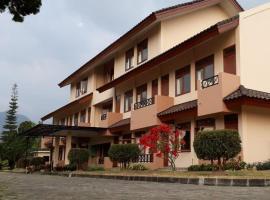 Grha Kasih, hotel near Ciherang Waterfall, Bogor