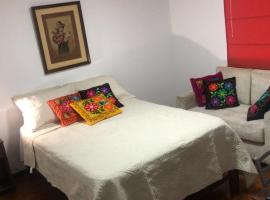 La Curandera Guest House, B&B in Lima