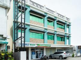 OYO 421 Deck 360 Dormitel, hotel in Davao City