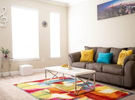 Luxury Condo in MID-TOWN ATLANTA/Free Parking!, apartment in Atlanta