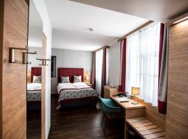 Hotel Elefant Family Business, hotel near Hohensalzburg Fortress, Salzburg