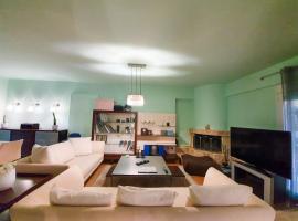 130m2 2Floor Luxury Villa Full House Full Comforts, hotel in Komotini