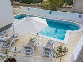 Apartman Tea, hotel with pools in Novalja