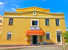 Hotel Pensión Cassandra, hotel en Buzanada