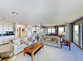 New Listing! Modern Beach Dream W/ Ocean Views Home, hotel in Bodega Bay