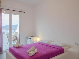 Ξενοδοχείο Γιώργος & Ειρήνη, ξενοδοχείο κοντά σε Παραλία Τρεις Κλησιές, Ίος