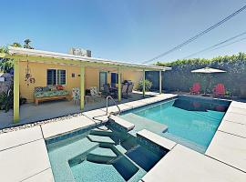 New Listing! Movie Colony Oasis W/ Pool & Spa Home, villa in Palm Springs