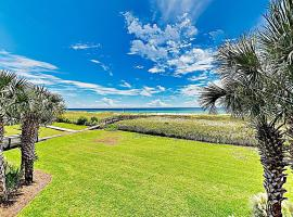New Listing! Beachfront Gem W/ Pools & Docks Condo, vacation rental in Pensacola