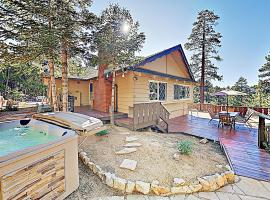 New Listing! All-Suite Forest Retreat With Hot Tub Home, villa in Big Bear Lake