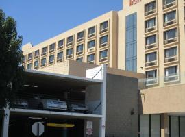 Lincoln Hotel SureStay Collection by Best Western, hotel near Sunset Strip, Monterey Park