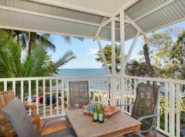 The Beach Shack 3BR Waterfront Resort, Own WIFI, hotel in Trinity Beach