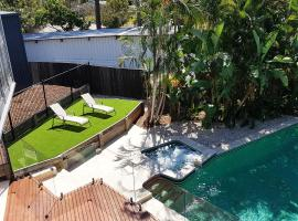 Theme Park Villas - 3 Min Drive to Movie World, hotel in Gold Coast