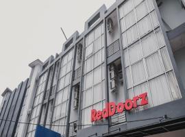 RedDoorz @ Jalan Sukabangun 2 Palembang, hotel in Palembang