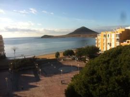 APARTAMENTOS LOS LAURELES, strandhotel in El Médano