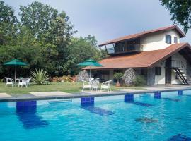 Jungle Safari Resort & Holiday Villa, hotel with pools in Nashik
